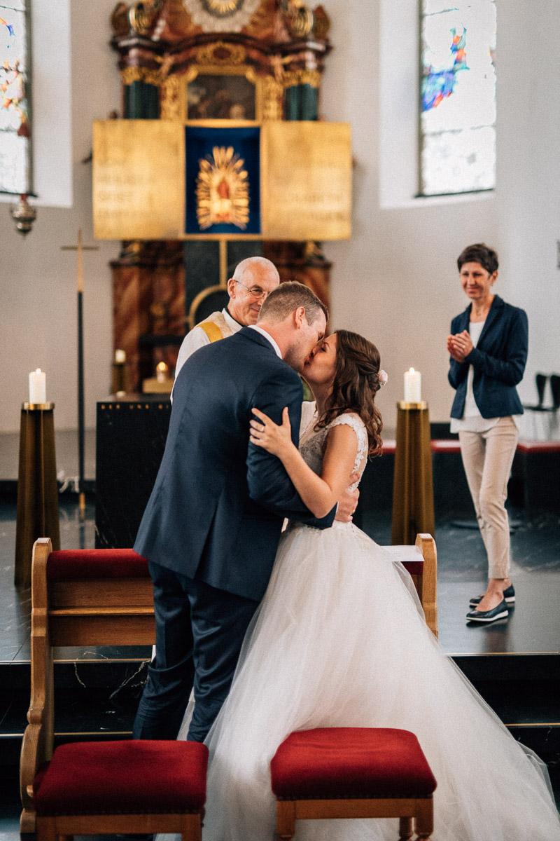 Hochzeitskuss Hochzeit Bildstein
