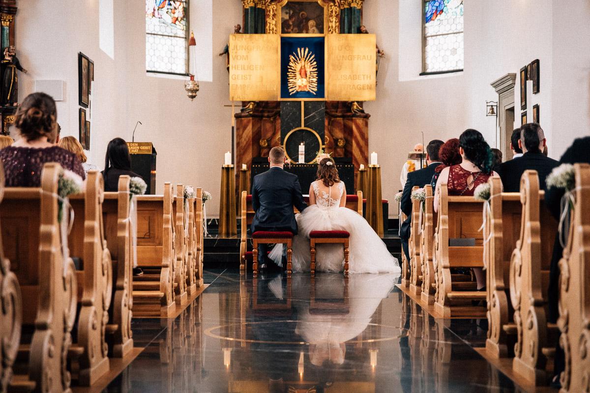 Trauung Hochzeit Bildstein von hinten